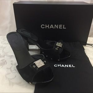 🆕 Chanel CC wooden Clogs Mules